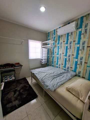 Room with Single large bed (120 x 200)