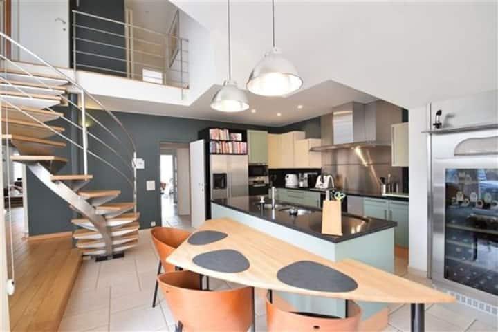 Big and comfortable triplex appt (6p) in Knokke