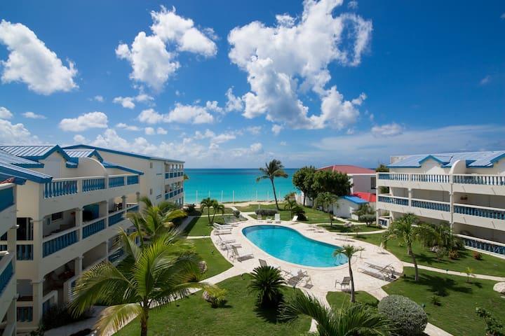 Simpson Bay beach condo sleeps 4 price reduced!