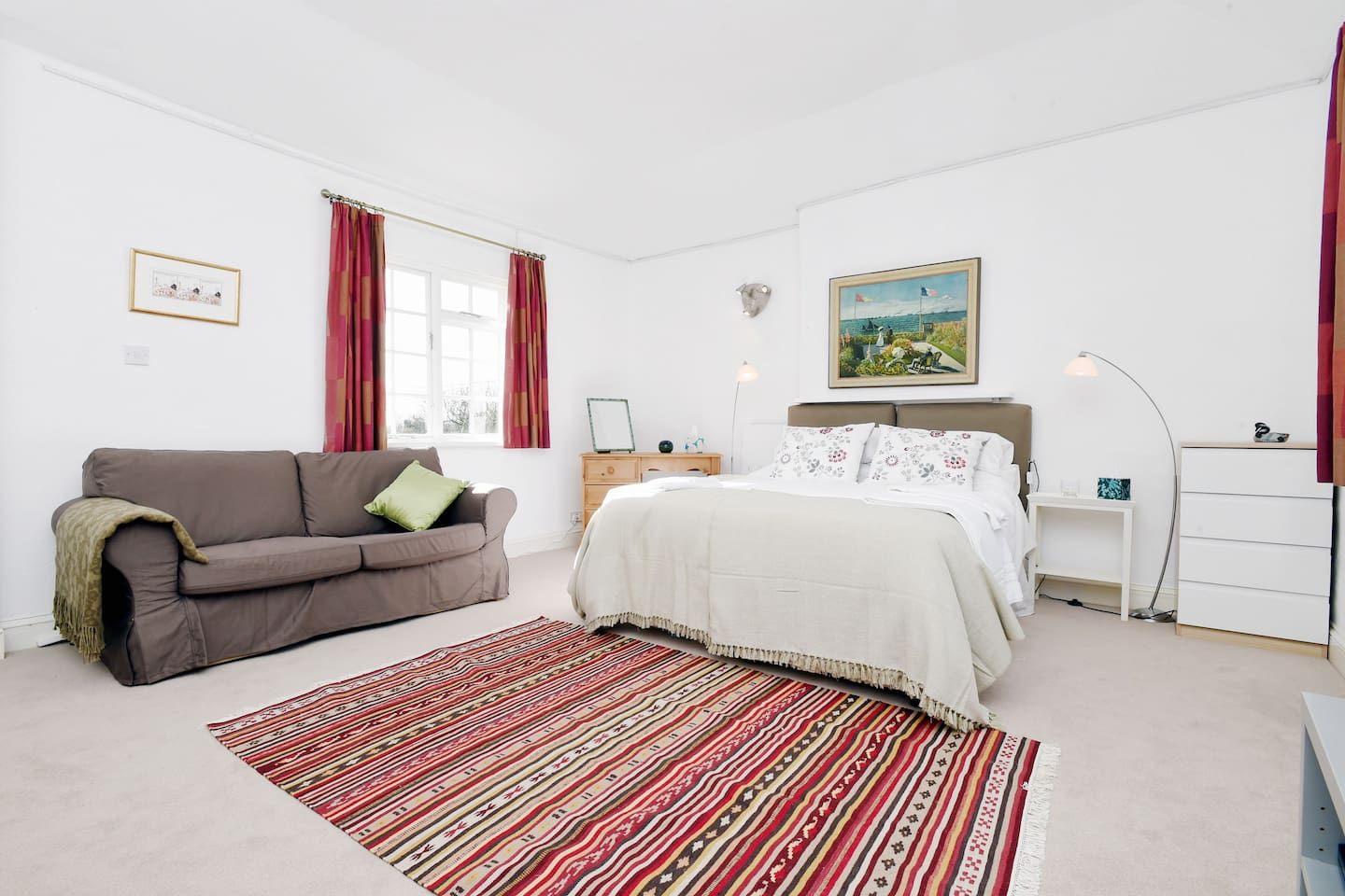 Large stylish sitting room/bedroom near Goodwood - Guest suites for ...