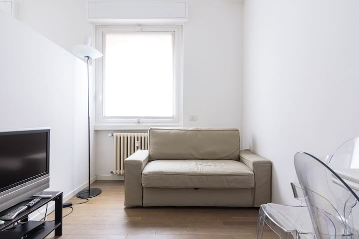NEW & COZY APARTMENT, 300mt. FROM THE SUBWAY!