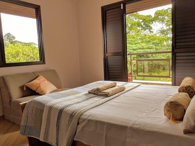 Romantic suite with private verandah & parking
