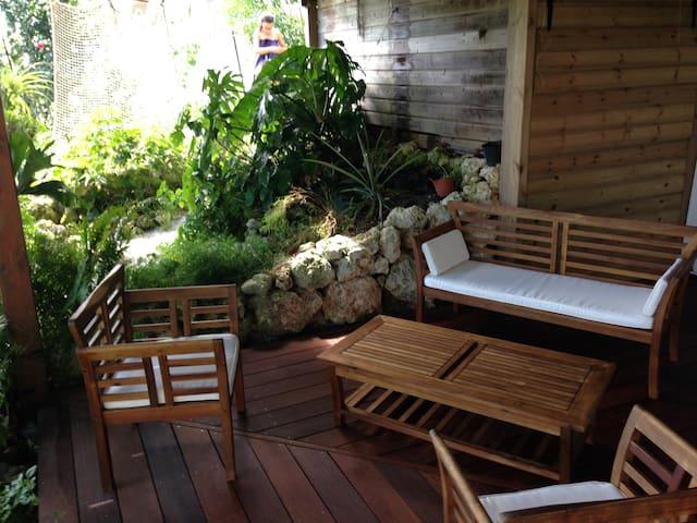 Appartement dans jardin tropical - GP - Daire