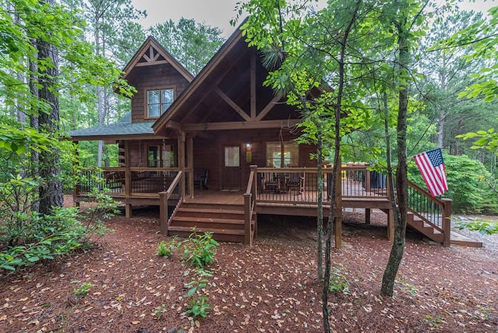 Log Cabin at Stonecrest minutes from Lake Lure and Lake Adger | Fire pit! - 2 Bedroom, 3 Bathroom