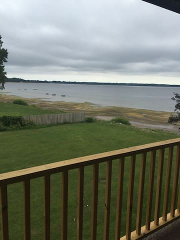 Share space with lake view. - Plattsburgh - Departamento
