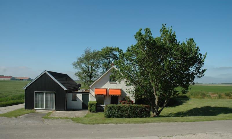 Vrijstaand huisje Friesland