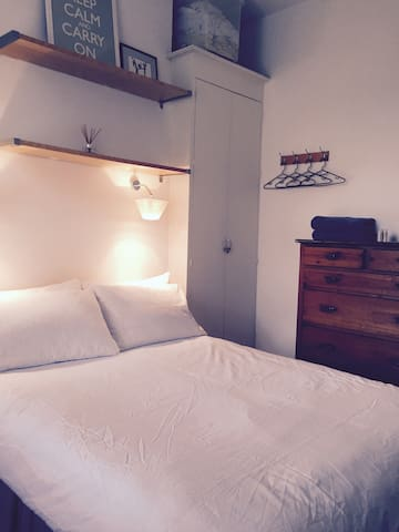 Cozy Double Bedroom Kensington - Londyn