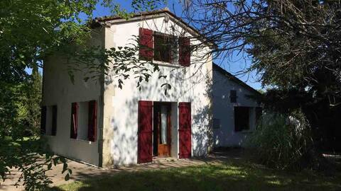 Maison éclusière en périgord blanc