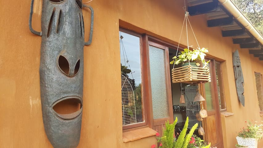 Pete's Place of horrors and trinkets - Port Edward - Rumah
