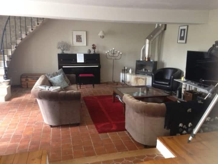 Charmante maison confortable tout près d'Auxerre