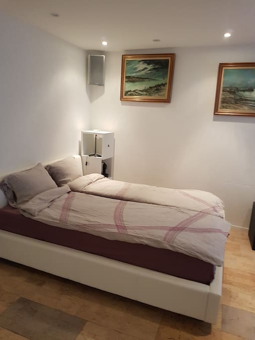 Double bed 160 x 210