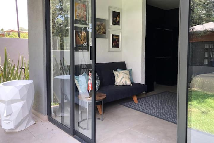 CASAGUAPA *Suite en medio del bosque con terraza*