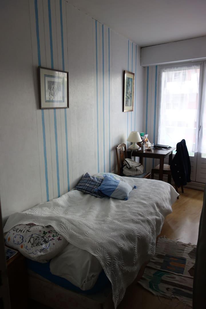 Chambre au calme à Paris
