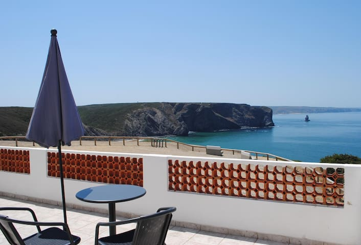Amelia's House - with terrace - Aljezur
