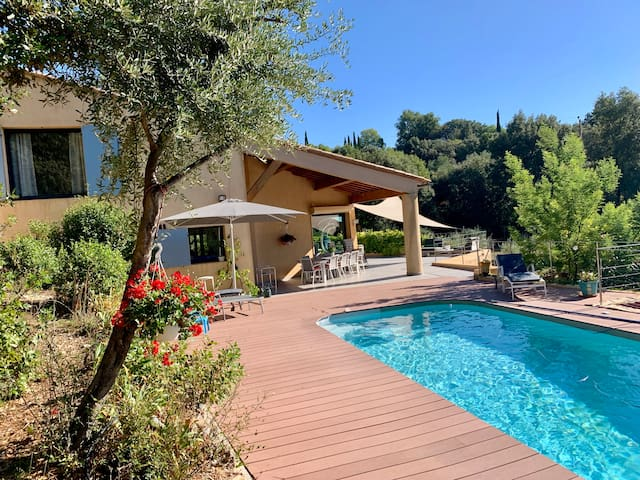 Le Derroc - with heated swimming pool