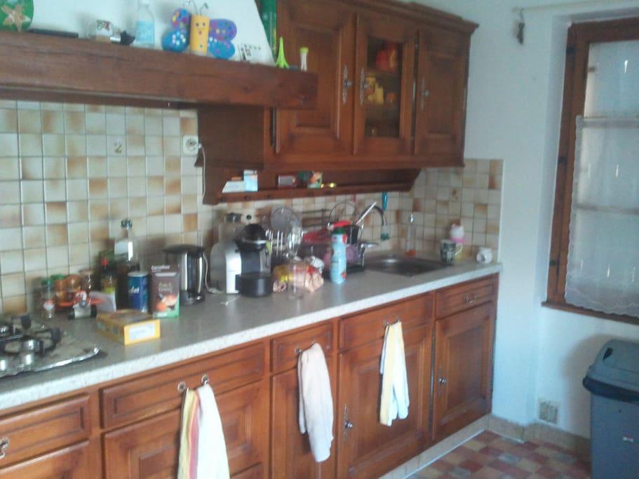 cuisine équipée avec lave vaisselle