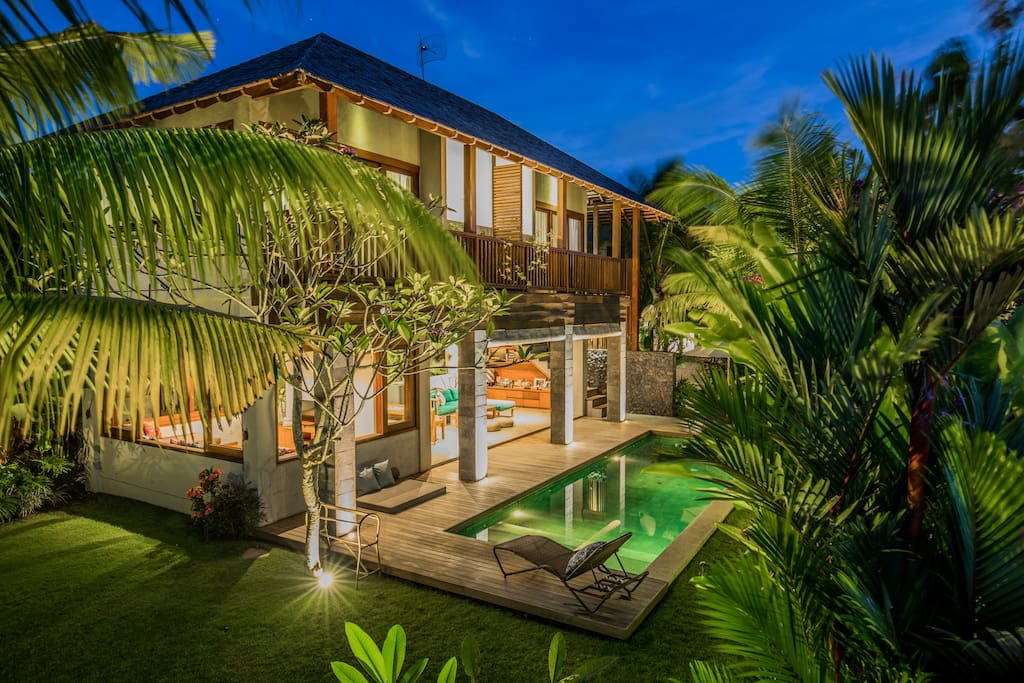 Melali - Our sunset suites are located upstairs in this main building