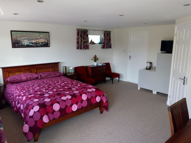 Refurbished self-contained suite at Five Furlongs