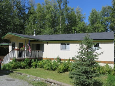 Quiet home in Anchorage bedroom community