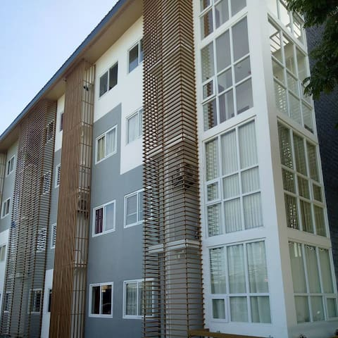 Condo Unit for Rent Near Beach Resorts