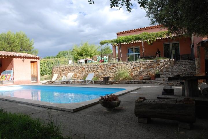 Suite parentale, terrasse, piscine, terrain arboré