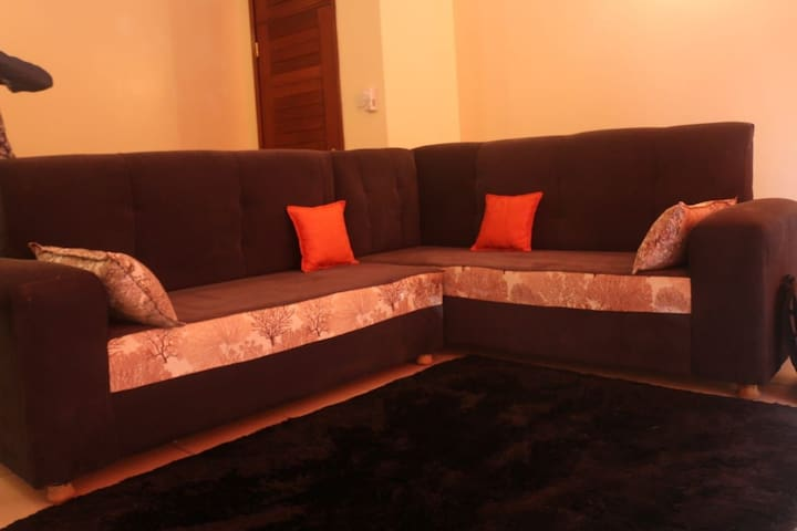 Homely spacious 2br with swimming pool, GYM & WIFI