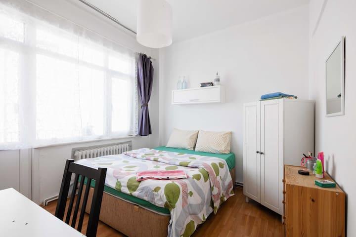 Designer's Double Room w Balcony!