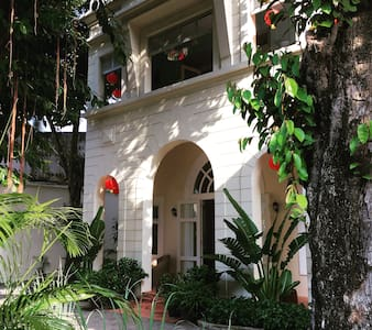 Colonial Style, Spacious Apartment - นครโฮจิมินห์