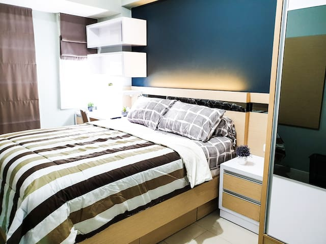 Each bedroom is beautifully furnished. There is a TV Cable inside, wardrobe, and working desk in this bedroom. Extra floor matrass can be put inside this room too.  Please input the correct number of guests before booking.  #2 bed : 160 x 200