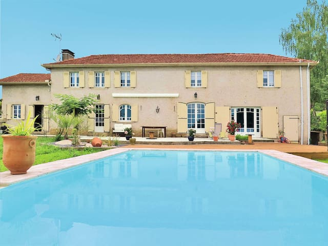 Holiday home in Nassiet - Nassiet - Casa