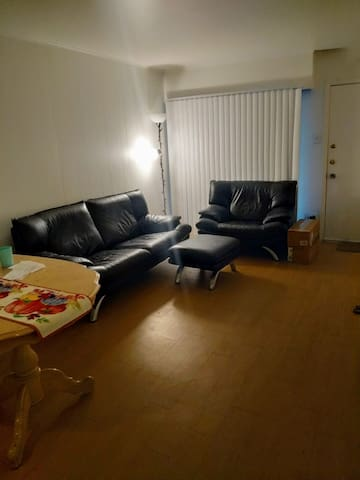 Backpackers Retreat- 2 BHK near UT Austin