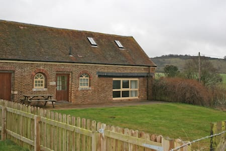 The Homestead, Town Farm - Ivinghoe - บ้าน