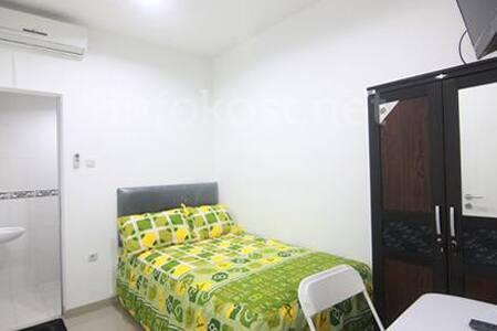 Cozy Room @Kelapa Gading, Jakarta - Jakarta - Bed & Breakfast