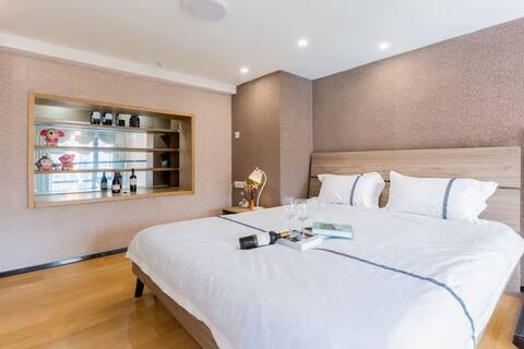 恒大文化旅游城简约现代风格复式loft大床一房