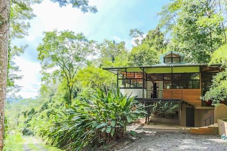 Rainforest Getaway Casa Bamboo - Parrita - Dům