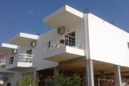 Very nice family appartment close to the beach - Sarandë