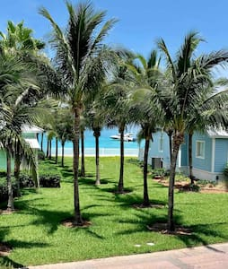 Beautiful 2/2 condo with ocean view at Bimini Bay!