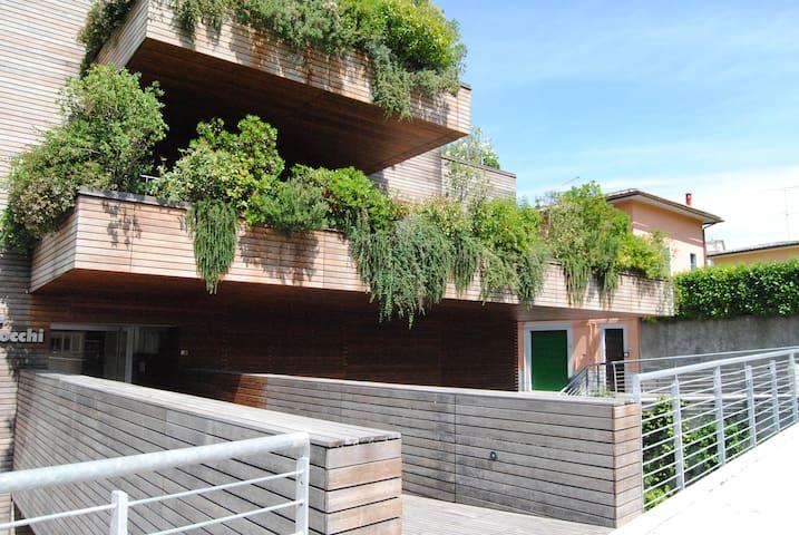 """La casa nel viaggio - La """"casa natura"""" in città - Colle di Val d'Elsa - Pis"""