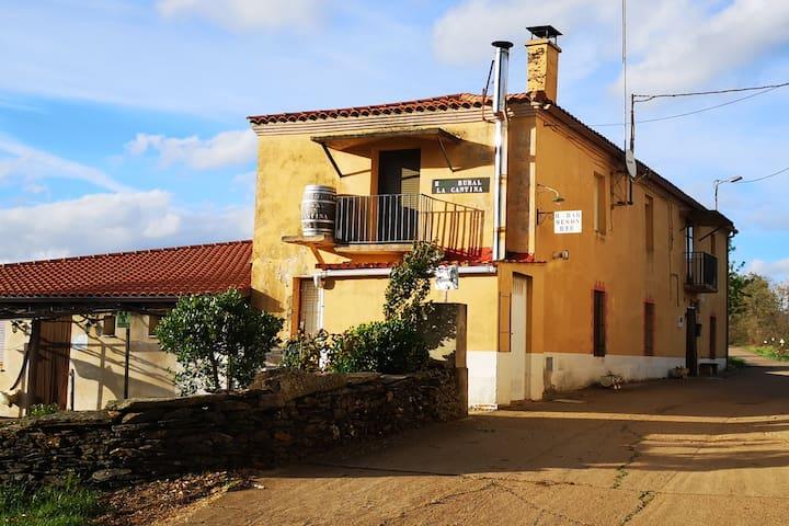 Habitación doble con vistas a la cigüeña