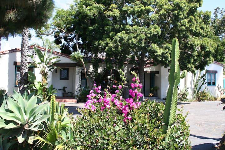 T-Street Beach Historical Casita! - San Clemente