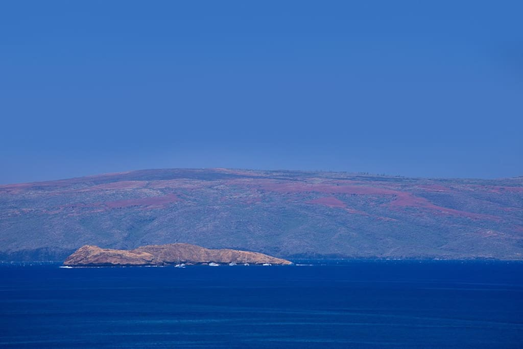 Views All The Way To Distant Molokini Islet