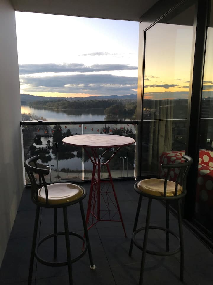 Stunning Belconnen apartment with lake views