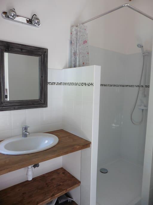 Chambre et salle de bain priv e musan chambres d 39 h tes for Salle de bain st jean