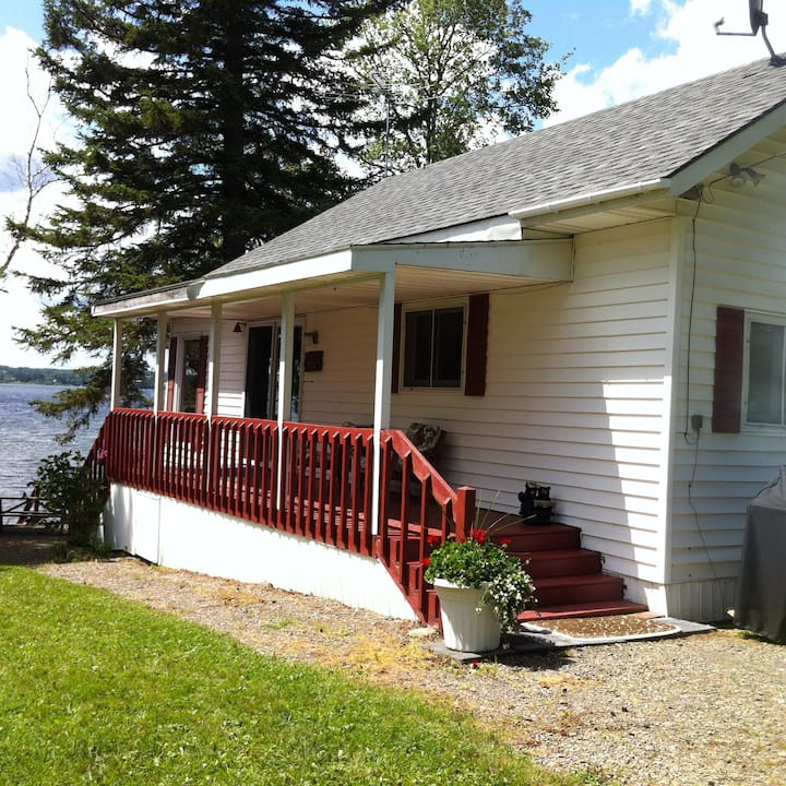 Cottage on Long Lake
