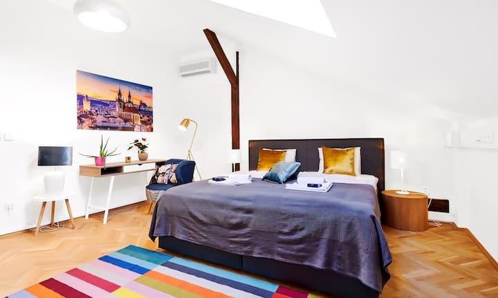 Modern 3-bedroom Lesser Town Apartment Nr.6