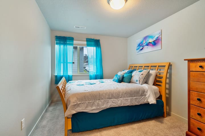 Queen size bed with the popular Nectar Matress! Large closet (not pictured) just behind you.