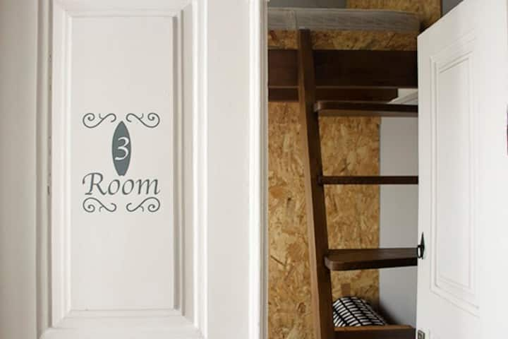 Double room Mezzanine suite- Watermark Surf House