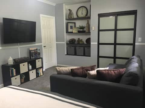 Studio apt with private entrance & attached garage