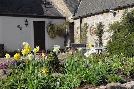 Holiday cottage in Currie, Edinburgh.