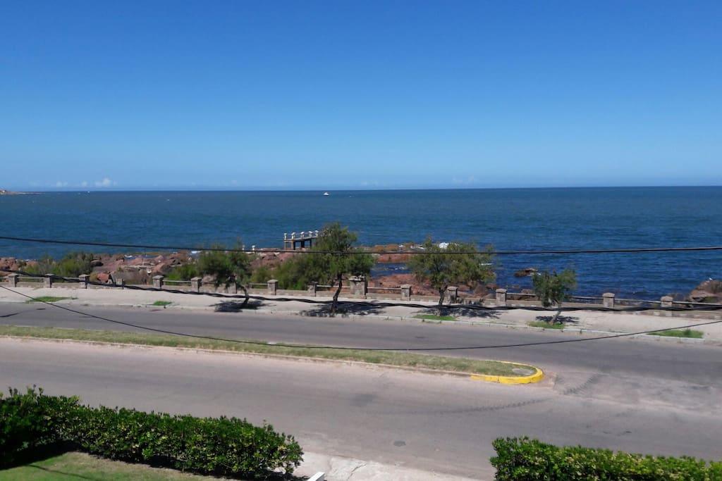 Hermosa vista al mar, y una tranquilidad absoluta.